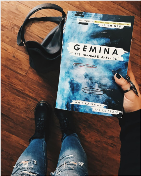 """daefc93539a4 """"I think the whole world knows how much I loved  Illuminae and so far I m  loving Hanna and Nik s story too! Anddddd the book features illustrations  by ..."""